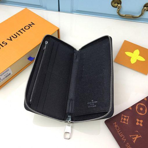 Chi tiết bên trong ví và cac ngăn đựng thẻ LVVN8231