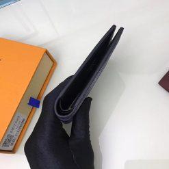 Góc cạnh của ví nam