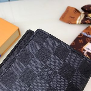 Họa tiết Caro trên ví cầm tay LV siêu cấp