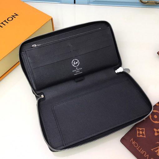 Mặt trong ví được làm hoàn chỉnh và đẹp mắt