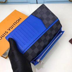 Ngăn nhỏ có khóa kéo bên trong ví