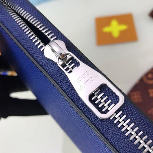 Tên thương hiệu được khắc lên mặt khóa kéo YKK cao cấp