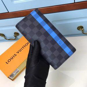 Trên tay ví dài nam siêu cấp