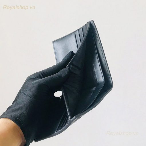 Các ngăn bên trong ví