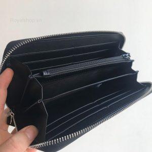 Bên trong ví cầm tay nam