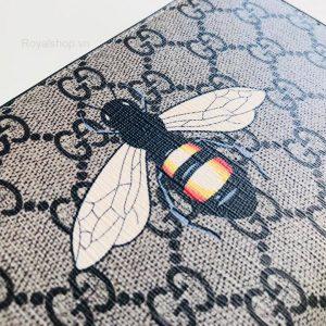 Họa tiết Double G va con ong được in ấn tinh xảo