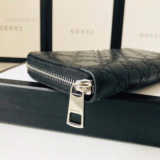 Khóa được khắc tên thương hiệu Gucci sắc nét
