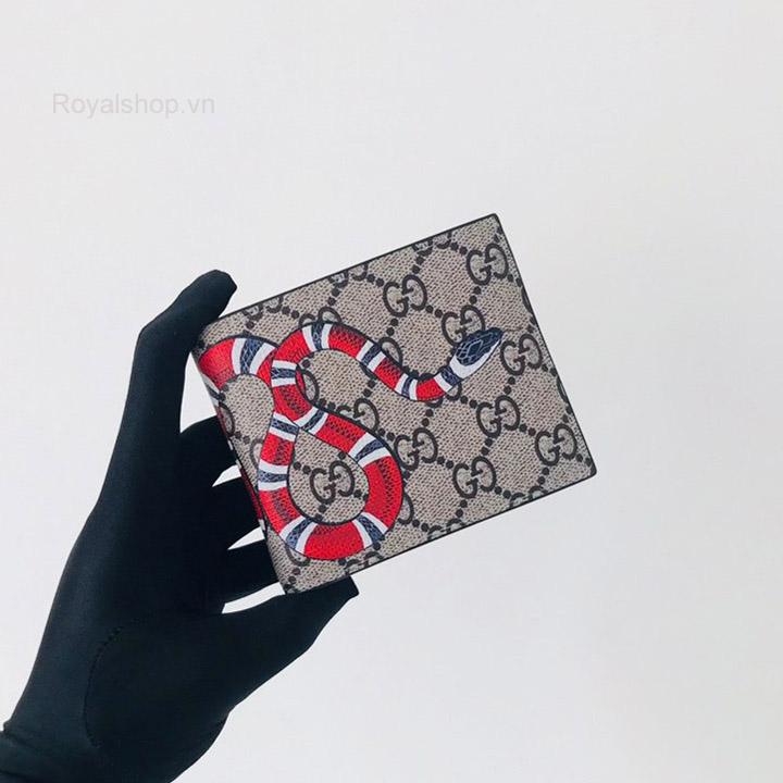Trên tay ví nam Gucci con rắn siêu cấp GCVN8067