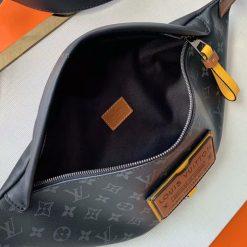 Bên trong túi đeo hông LV nam LVTN8816