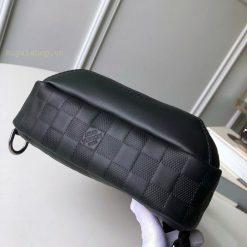 Phần đáy túi LV nam LVTN8822