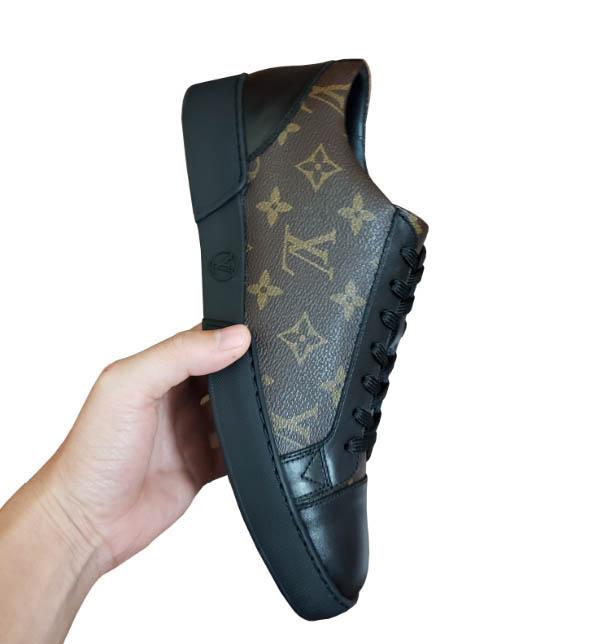 Giày sneaker LV