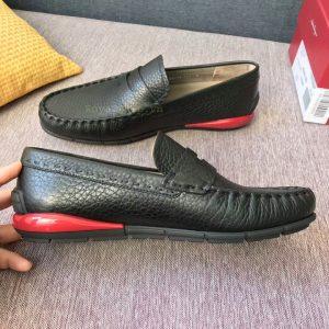 Các chi tiết giày được làm tỉ mỉ và tinh xảo