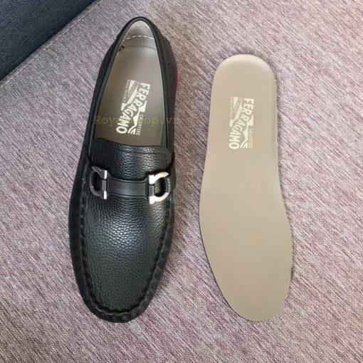 Chi tiết trong giày lười nam