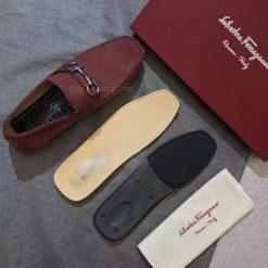 Chi tiết trong giày nam Ferragamo