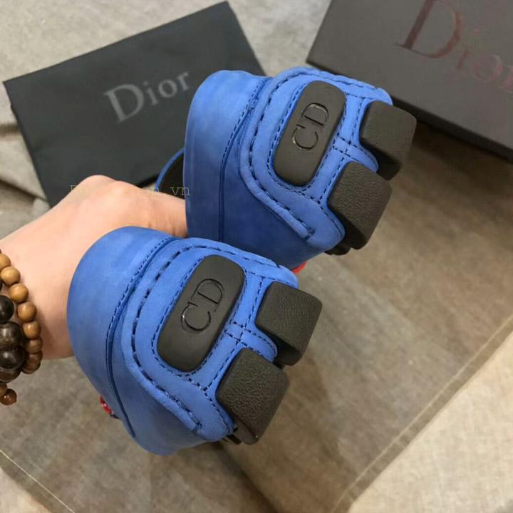 Gót giày Dior nam được làm gọn gàng