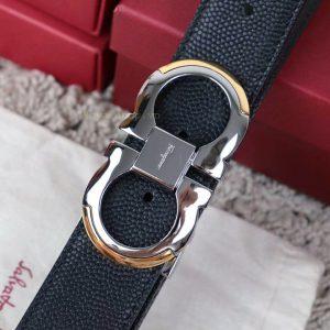 Mặt khóa còng số 8 được làm bằng YKK cao cấp sáng bóng