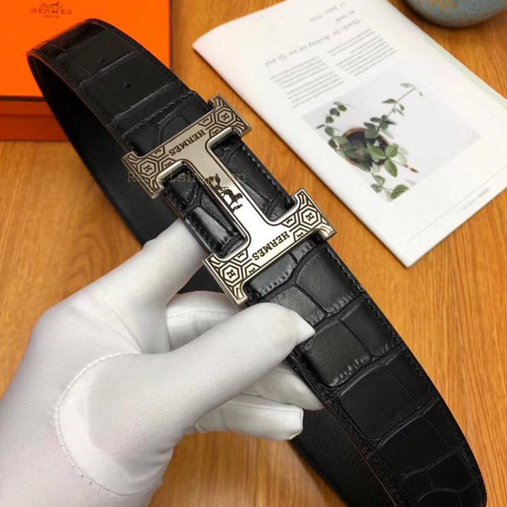 Mặt khóa được mạ PVD và khắc laze rõ nét