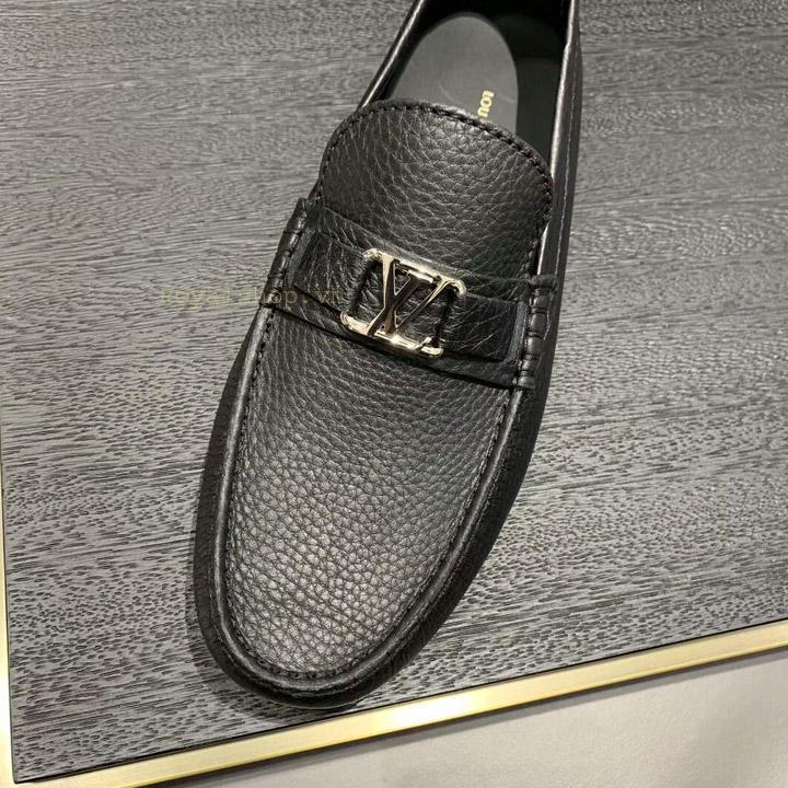Mặt khóa giày được làm từ YKK cao cấp
