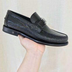 Phom giày công sở LV được làm hoàn chỉnh tỉ mỉ
