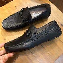 Phom giày nam được làm hoàn chỉnh