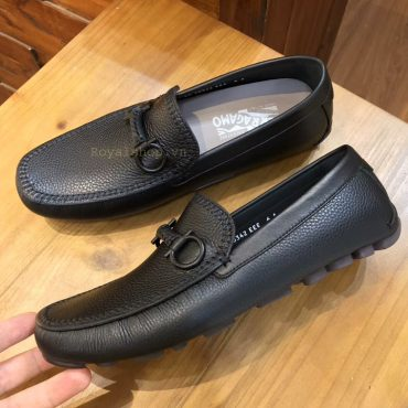 Phom giày được làm hoàn chỉnh