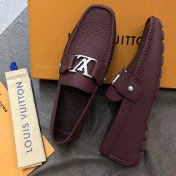 Phom giày được làm chuẩn Authentic
