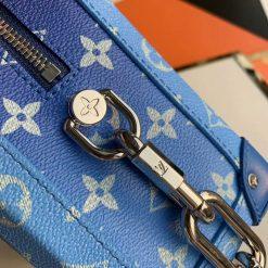 Các chi tiết trên túi được làm tinh xảo và đẹp mắt