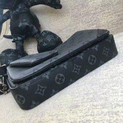 Đáy của túi nam LV đeo chéo LVTN8829