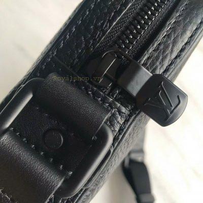 Khóa kim loại được mạ lớp sơn tĩnh điện màu đen