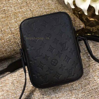 Mặt sau túi nam Louis Vuitton siêu cấp LVTN8836
