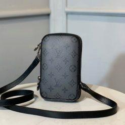 Mặt sau của túi ví đôi nam LV siêu cấp