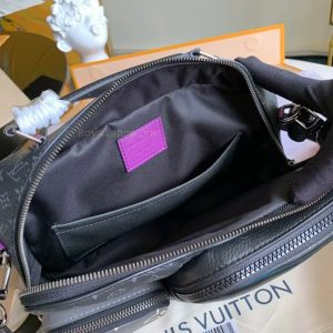 Bên trong túi nam LV đeo chéo LVTN8873