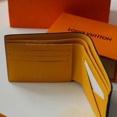 Các chi tiết trên ví nam được làm hoàn chỉnh
