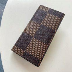 Mặt sau của ví nam dài cầm tay 3053