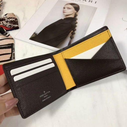 Mặt trong của ví ngắn nam VN6015