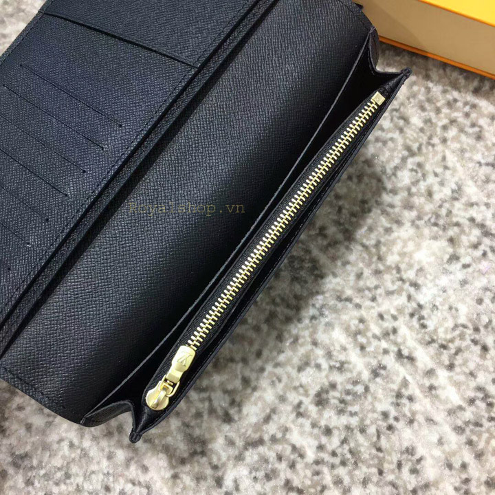 Ngăn có khóa kéo bên trong ví