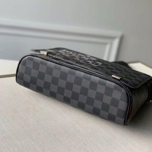 Phần đáy túi nam LV siêu cấp 8870