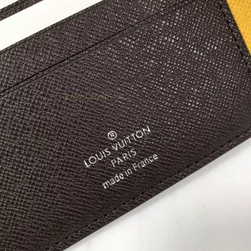 Phần tem phần chữ được in phun rõ nét