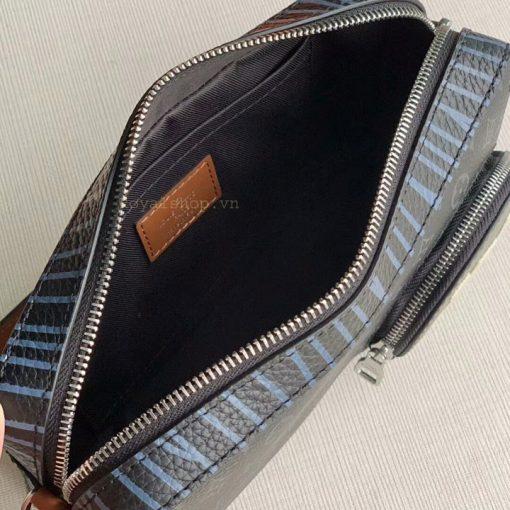 Phía bên trong túi nam LV đeo chéo siêu cấp 8874