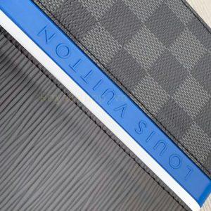Tên thương hiệu Louis Vuitton được làm tinh xảo