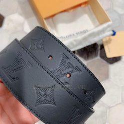 Các chi tiết trên thắt lưng được làm hoàn chỉnh và tinh xảo