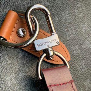 Tên thương hiệu được khắc rõ nét trên móc qoai khóa