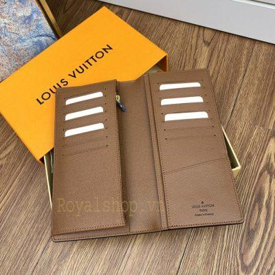 Bên trong và các khe cắm thẻ của ví nam LV siêu cấp