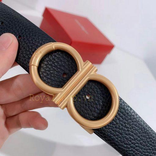 Mặt khóa còng số 8 được làm từ PVD cao cấp