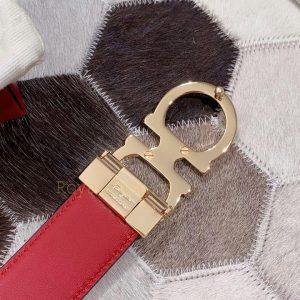 Mặt sau khóa còng số 8 mạ PVD cao cấp