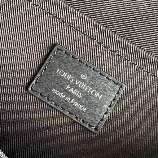 Tem da bên trong túi nam LV