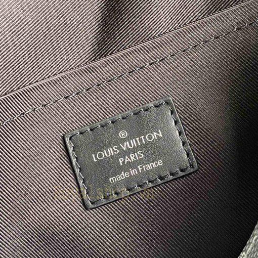 Tem da bên trong túi nam deo chéo LV