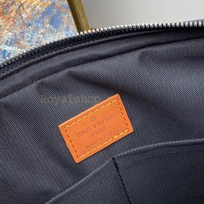 Tem da màu cam bên trong túi nam LVTN8887