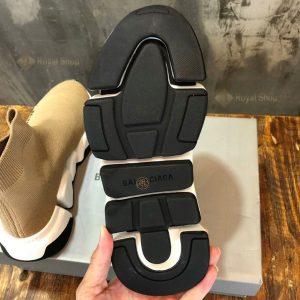 Đế giày được làm từ cao su đúc cao cấp BLG4001