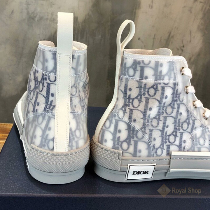 Gót giày và các chi tiết được làm hoàn chỉnh DIG4211